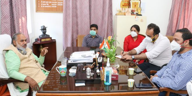 North MCD: The doctors of Hindurao, Kasturba and RBIPMT Hospital met the Mayor regarding their demands.