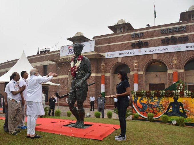 राजीव गांधी नहीं, अब मेजर ध्यानचंद के नाम पर होगा खेल रत्न अवॉर्ड, पीएम मोदी की घोषणा